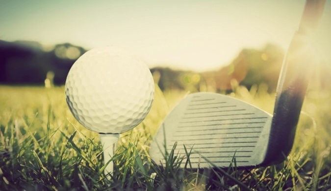 playing-golf